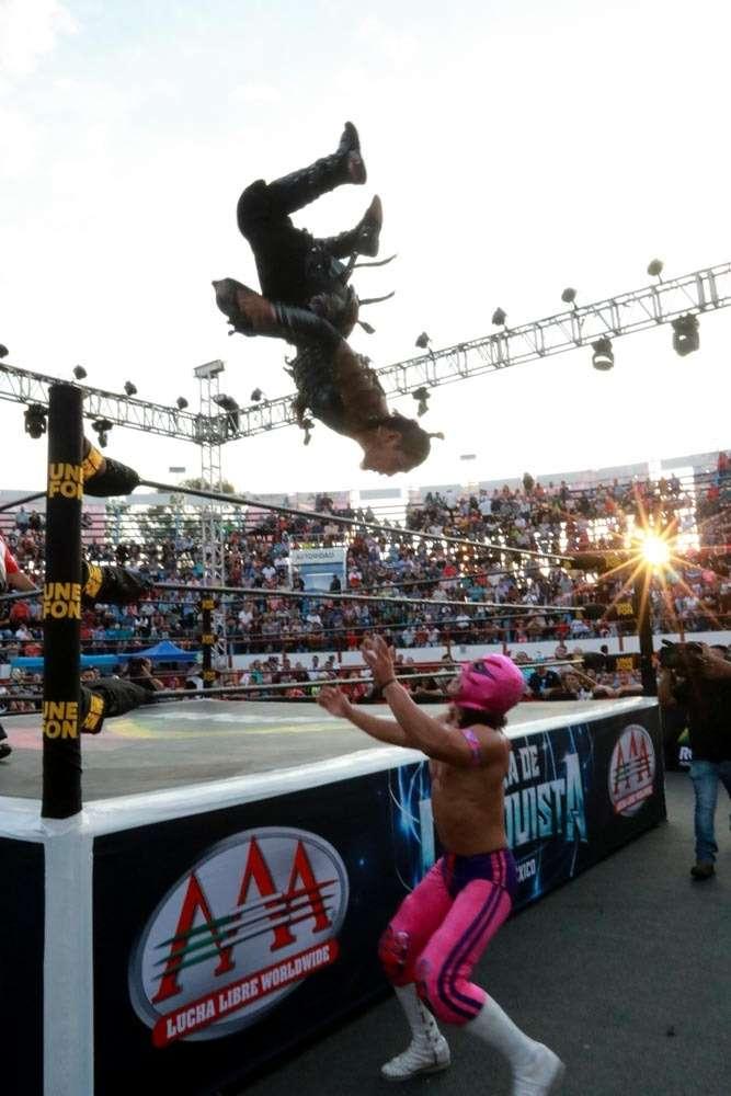 AAA: Blue Demon Jr. traiciona a Psycho Clown en Uriangato 8