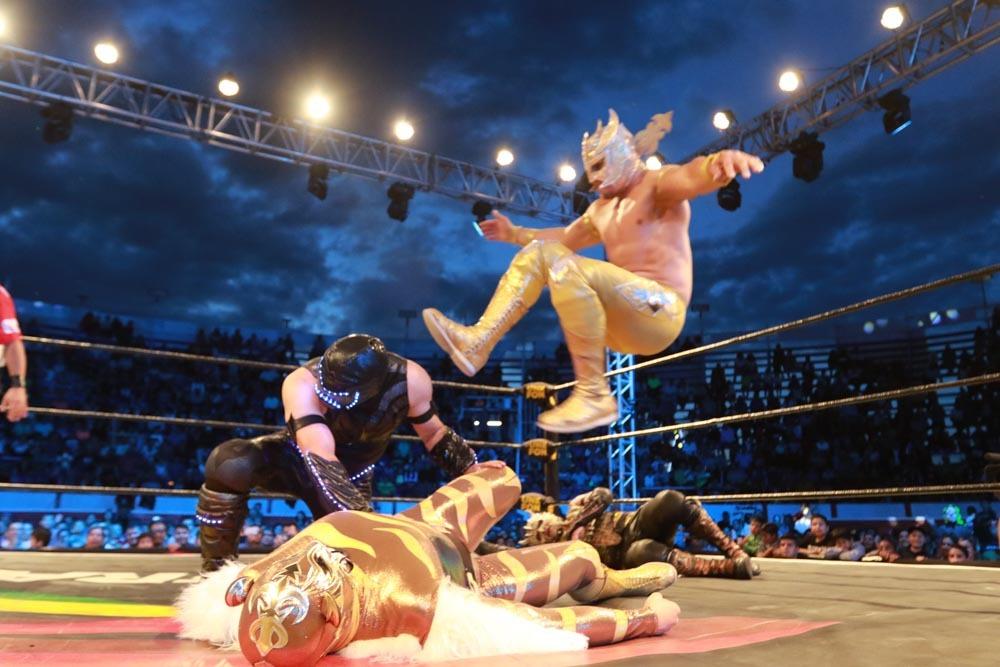 AAA: Blue Demon Jr. traiciona a Psycho Clown en Uriangato 6